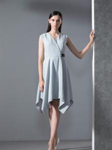 乔帛春季时尚收腰连衣裙