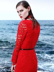 例格红色连衣裙