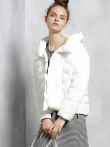 w.b.w.q碧可女装白色短款廓形羽绒服