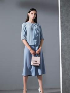乔帛春季时尚天蓝套装