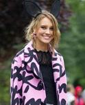 时装周街拍达人演绎秋季外套的最潮穿搭