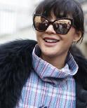 巴黎时装周街拍 夸张太阳镜抢眼