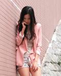 粉色单品搭配 打造秋日甜美可爱风