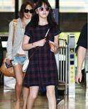 李多海领衔韩国明星机场街拍 示范夏季时尚穿搭