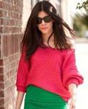 秋装时尚街拍 针织衫+包臀裙显气质
