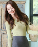 套头针织衫+包臀裙 秀出迷人曲线
