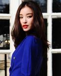倪妮宝蓝色dior西装亮相巴黎时装周