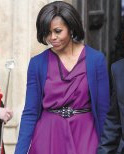 第一夫人制造流行色 学米歇尔穿蝴蝶兰紫