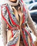 冬季的浪漫 一条围巾的七种穿搭