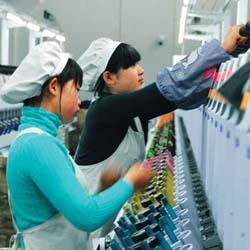 """产业向未来——""""两会""""促使国企改革 纺织服装或受益"""