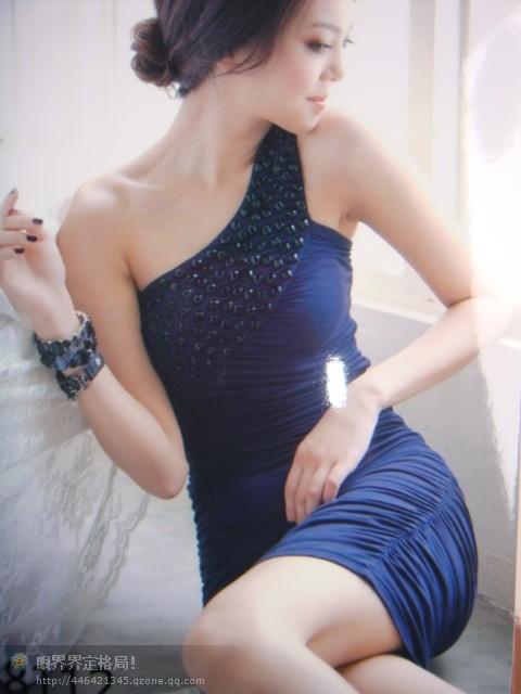 时装回收品牌时装尾单回收回收裙子婚礼服