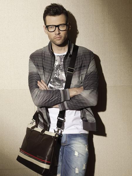 SHATIAN沙田时尚男装--巴黎文化元素的体现