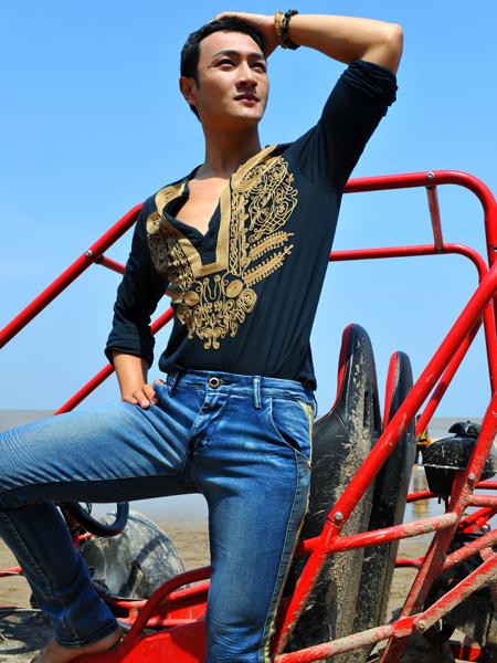 韩国UNK时尚品牌牛仔,诚邀您的加盟!