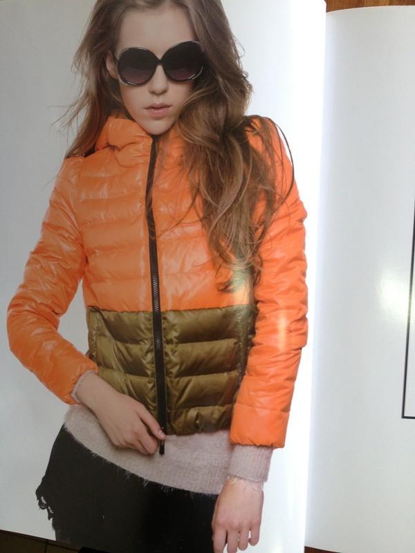 H-X韩轩将时尚、舒适、女人味、休闲四者完美融合。