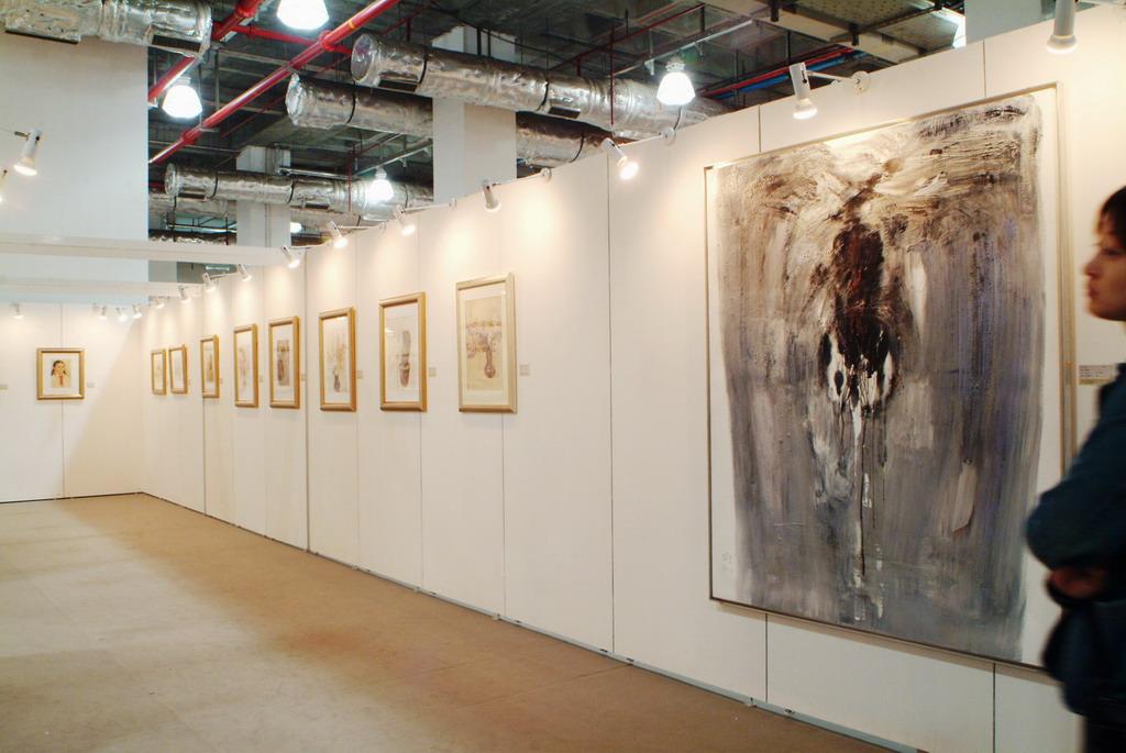 服裝類型展示屏風,鋁合金展覽展板廠家