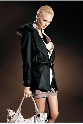 如何在服装行业中出类拔萃脱颖而出,做品牌折扣女装的不容错过