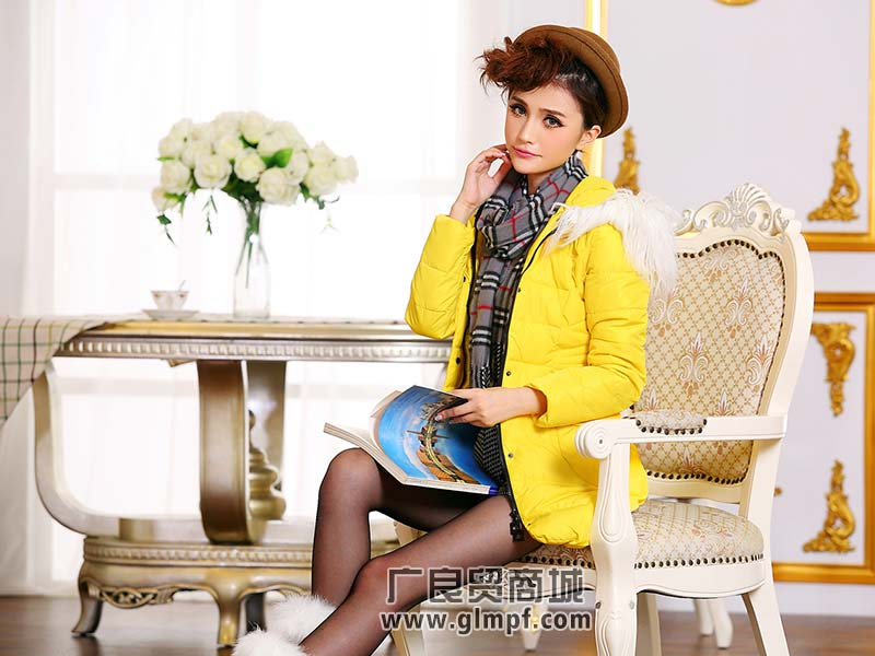 廠家韓版繡花絨服羽絨外套批發服裝搭配批發