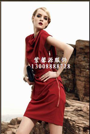 深圳折扣服装,品牌折扣女装,尾货品牌服装批发