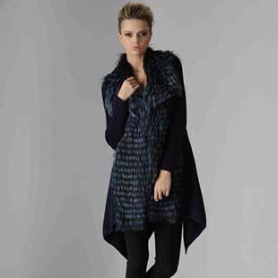 阿卡萨AKHESA女装让女性在享受皮草带来的奢华感的同时,可以更潮流,更女人-发布于14年7月1日8点
