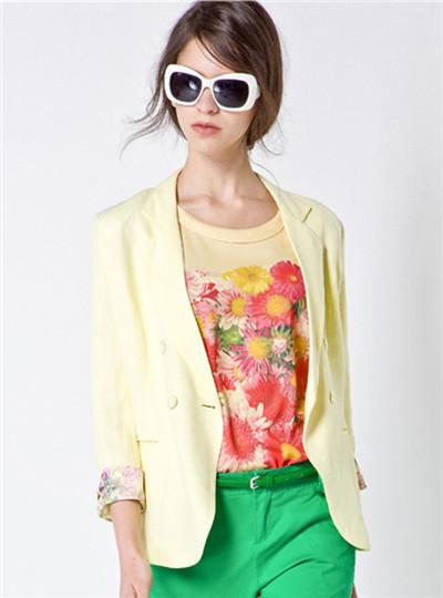 不一样的选择,不一样的品质---艾秀雅轩品牌折扣女装
