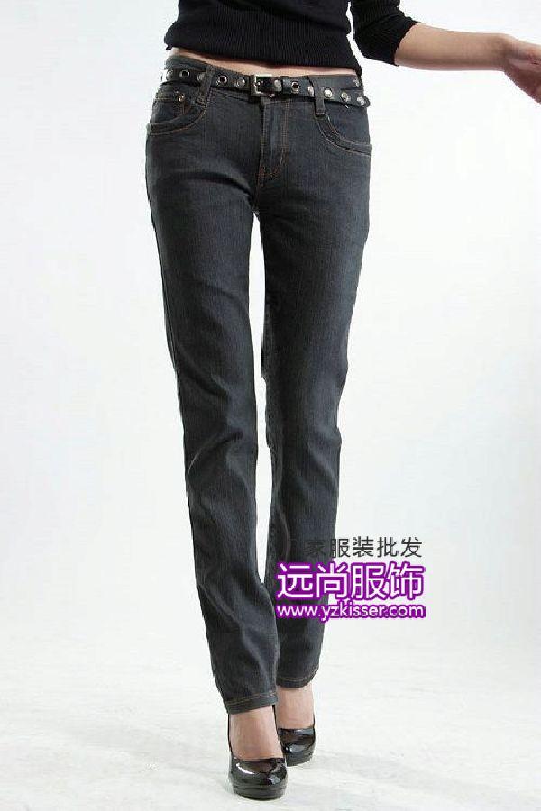 暢銷的尾單牛仔短褲批發時尚的服裝批發