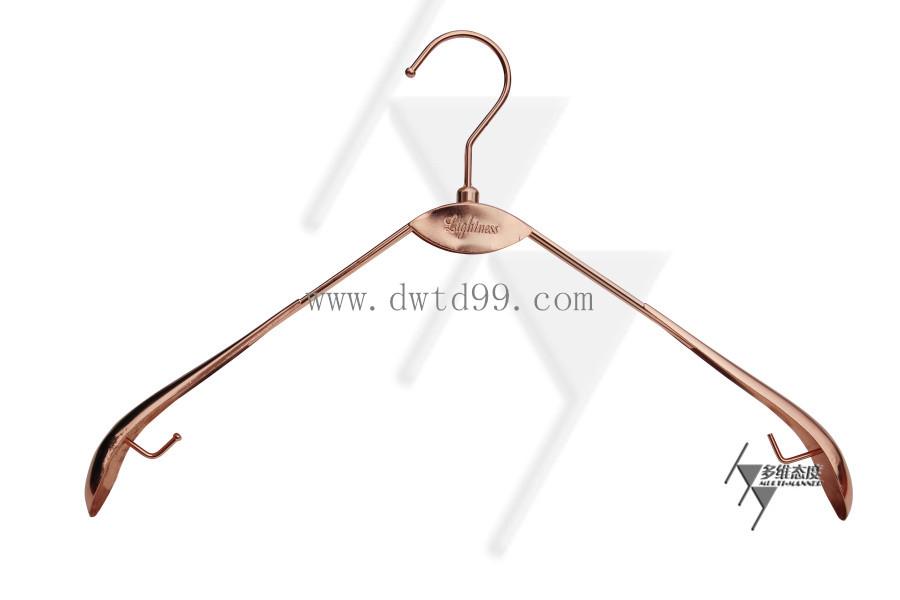广州特美五金衣架厂专业制做金属衣架
