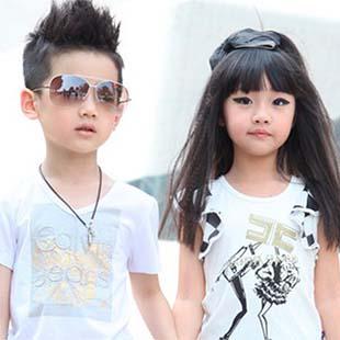 俄夏梅浪漫、简约的欧美风尚以及优质环保面料领先业界并拥有海内外高美誉度的儿童服饰品牌
