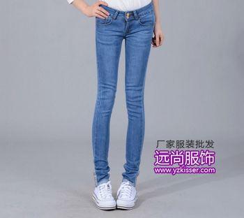 今年最火热的弹力牛仔长裤批发最流行当季最热卖短裤