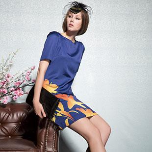 经典故事服装展现成熟女性的自身魅力