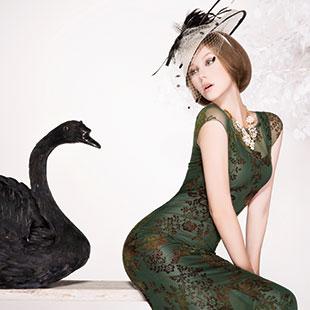 经典故事女装加盟|优雅柔美的气息一路从深圳蔓延……
