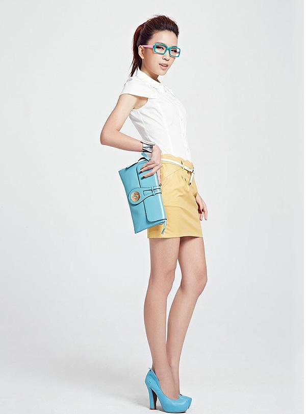 【艾秀雅轩】时尚女装,简约自在诠释高 雅