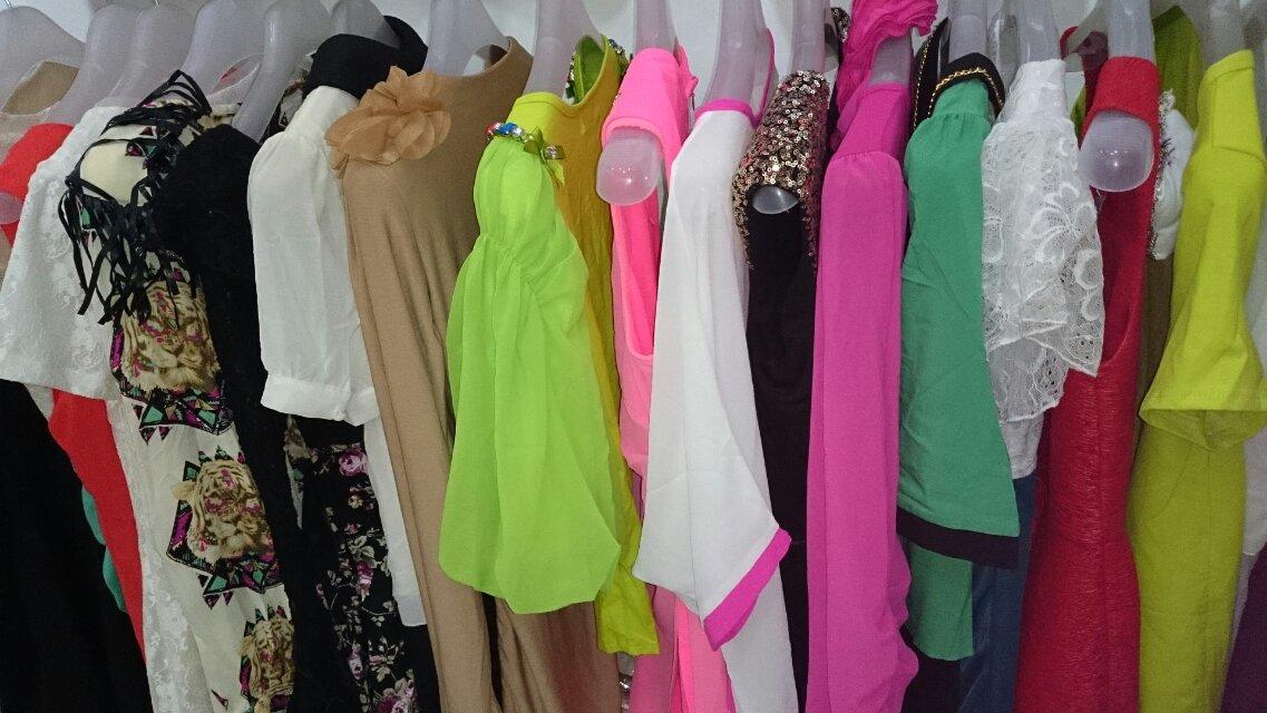 厂家一手货源,换季大批夏装服装清仓,超低价批发,款式齐全新颖3元起