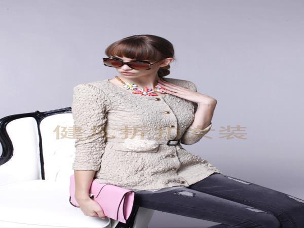 主流女装品牌正品 时下主流装扮 时尚主流品牌女装折扣批发