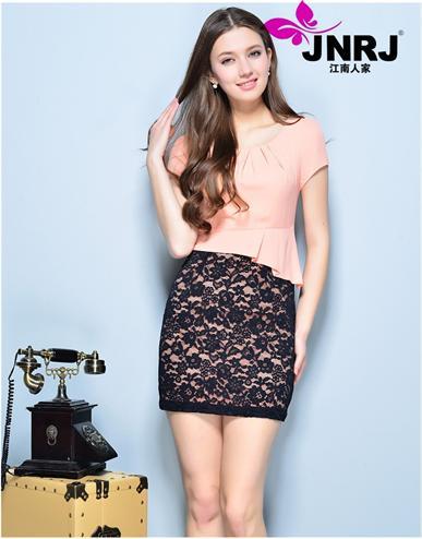江南人家时尚女装品牌 诚邀加盟代理,打破传统订货制 实行快销模式