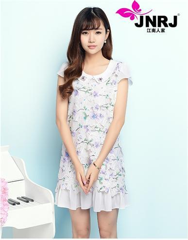 江南人家品牌女装塑造传奇时尚形象,真正的零存库开店,为时尚而演绎