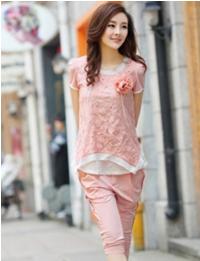 晓天服装长期供应各种应季服装:以女装,货源充足,款式多样