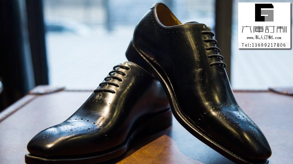 手工定制皮鞋怎么保养?六库定制告诉您