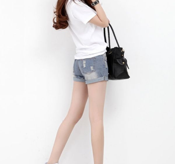 济南哪里有外贸牛仔裤批发?山东哪里的尾货连衣裙最便宜