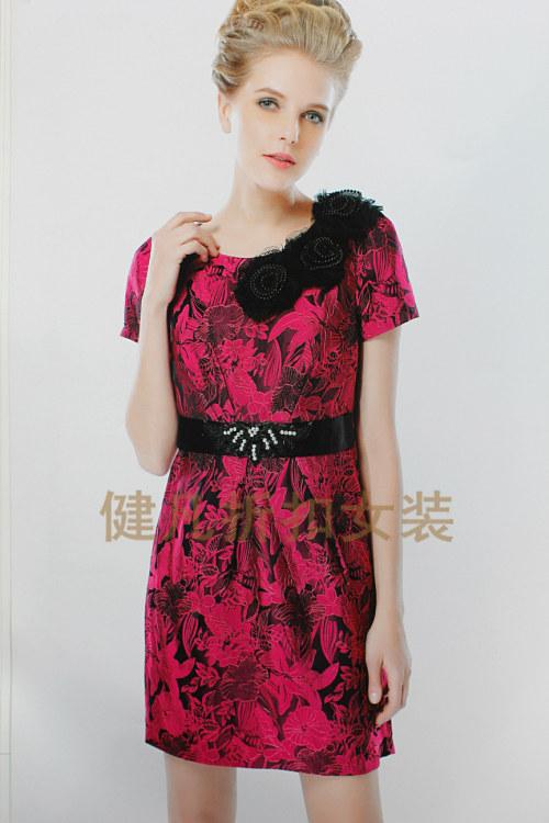 连衣裙品牌货源,折扣连衣裙,库存女装货源