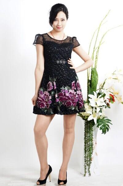 西子丝典品牌折扣女装加盟正成为服饰行业时尚女装的一颗璀璨新星