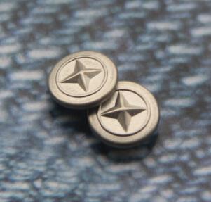 金和钮扣 8MM合金撞钉供应 图案凸起 层次感强