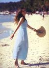 穿上伊芙嘉精品女装令女人们散发出优美的气质