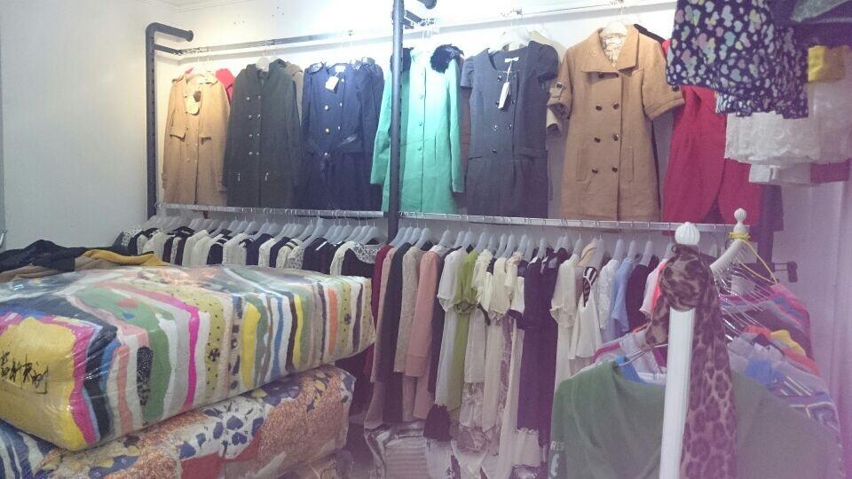 外贸童装尾货批发,便宜女装,品牌女装尾货,最便宜服装批发货源