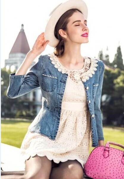西子丝典折扣女装产品涵盖春夏秋冬应时应季女装,满店尽是名牌!
