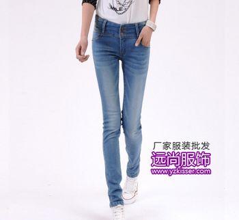 东莞深圳与桐乡那最热销的修身牛仔裤服装批发