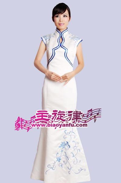 天津各种礼仪服装旗袍青花瓷服装租赁