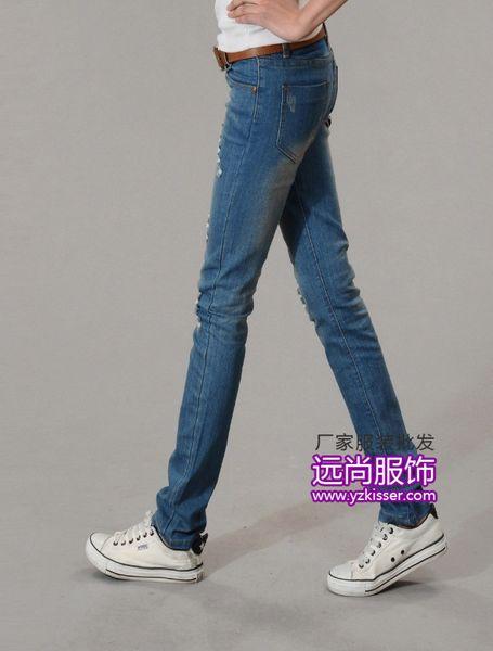 最便宜的冬装日韩版靓女可爱卫衣牛仔裤生产厂家批发