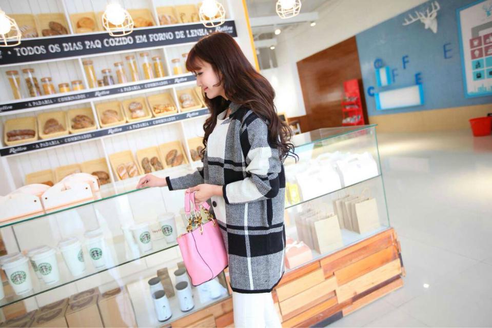 今年时尚韩版库存毛衣厂家低价大量批发