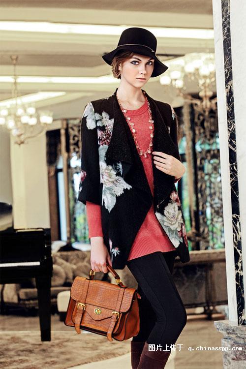 深圳紫馨源服饰是专业批发专柜品牌折扣服装,加盟店品牌女装,时装,库存尾货服装,品牌女装折扣