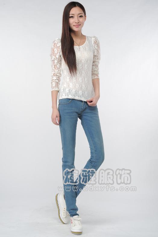 最潮流时尚牛仔裤大量尾货库存便宜批发